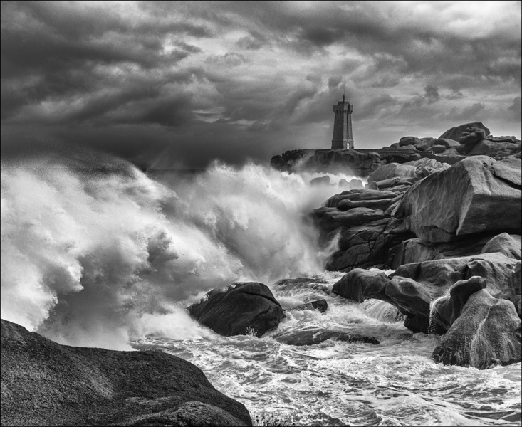 Big Waves Ploumanach