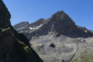 Hike around Piz Mez starting from Radons