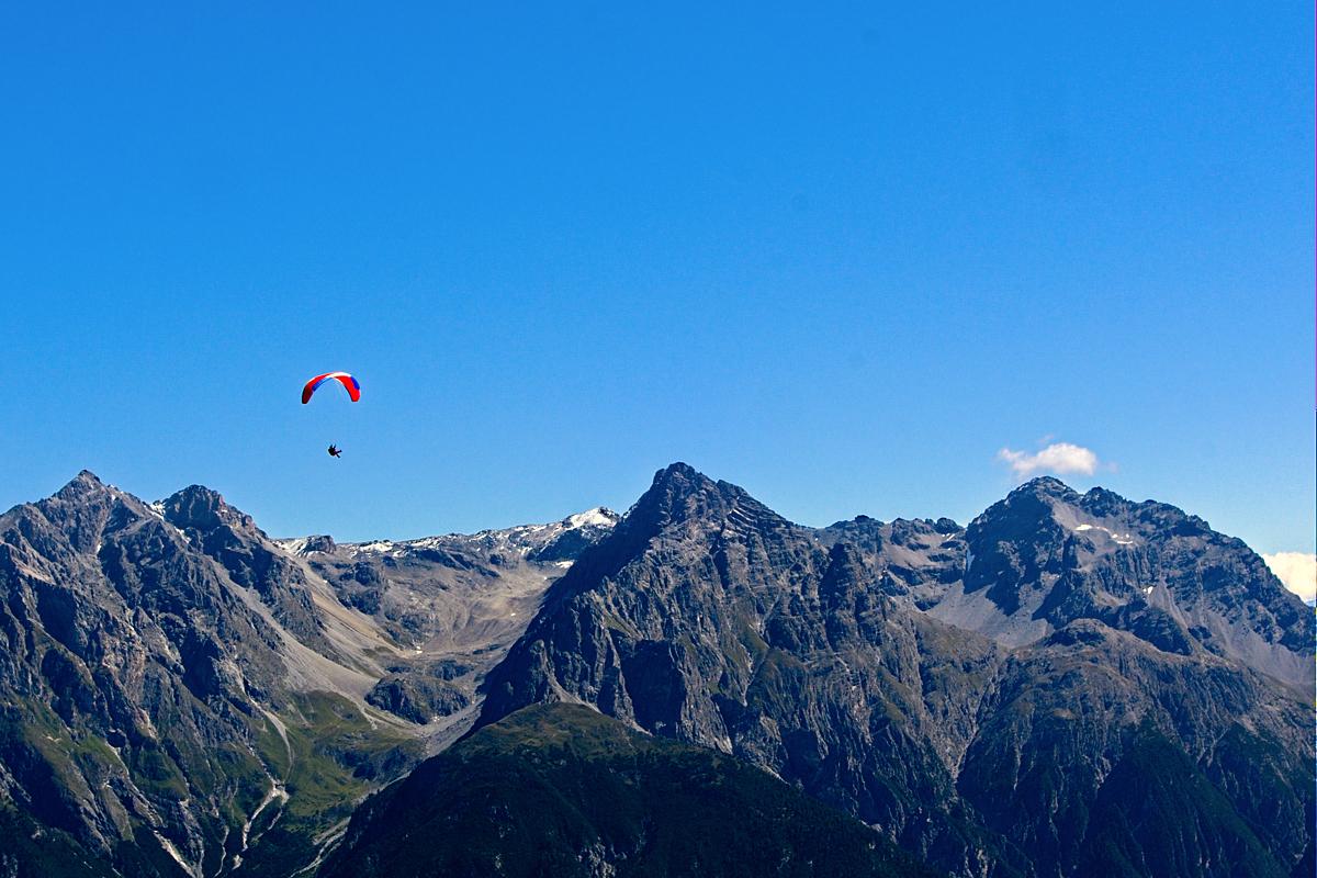 Paraglider Engadin